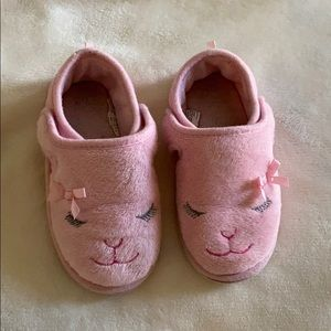 Other - Pink girl slippers size Large 9/10